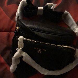 Michael lots black leather sling pack messenger